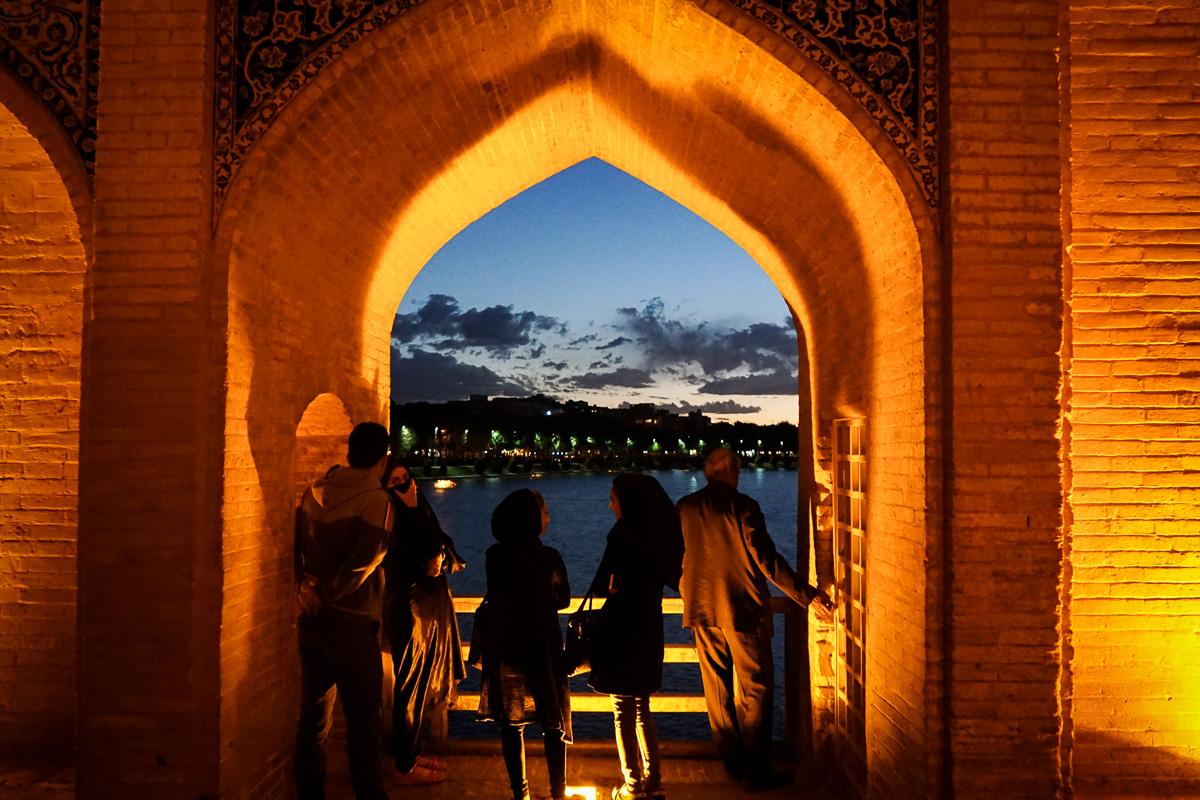 Iran - Isfahan - Pol-e Khaju-14