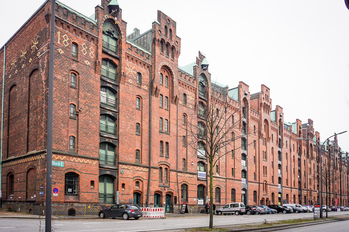 Hamburg-hafen-city-speicherstadt