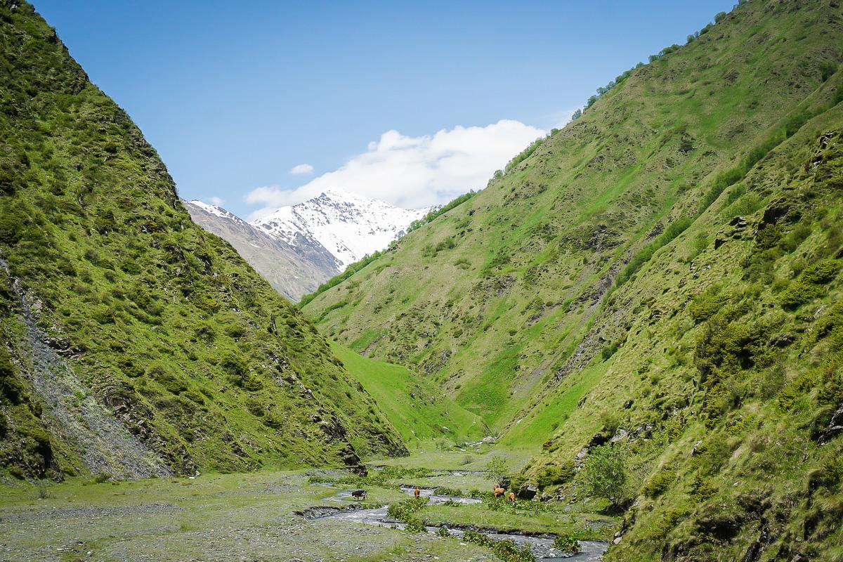 På väg mot byn Juta i Kaukasus