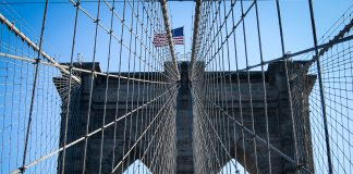 usa-new-york-brooklyn-bridge